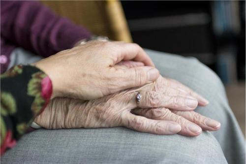 Anders daten im Alter: Wenn Senioren auf Partnersuche